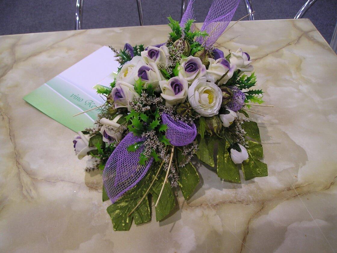 aranžman u izradi bjelovarske obrtnice - cvjećarke